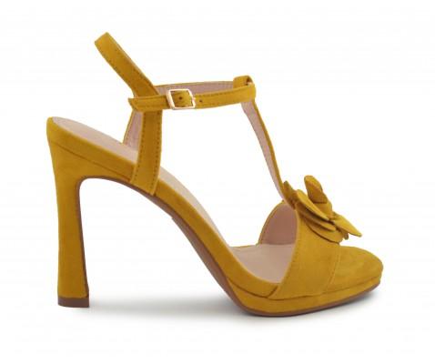 Zapato fiesta flor mostaza