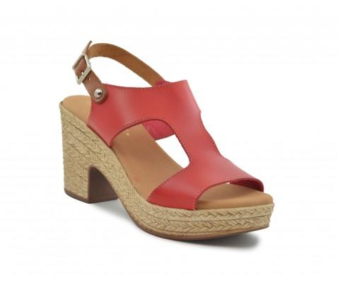 Sandalia con tacón ligero roja