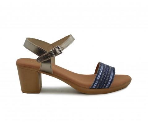 Sandalia piel tacón tira abalorios marino