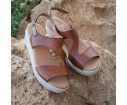 Sandalia piel cuña cierre hebilla roble