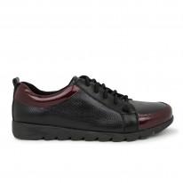 Zapato deportiva cómoda texturizada burdeos