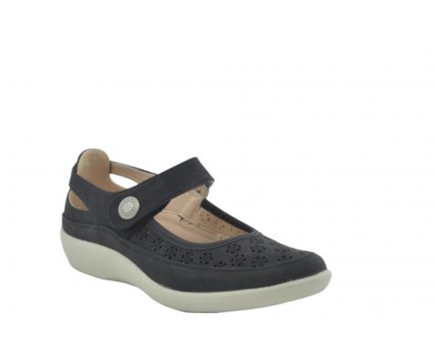 Zapato confort perforado negro