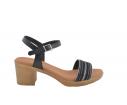 Sandalia piel tacón tira abalorios negro