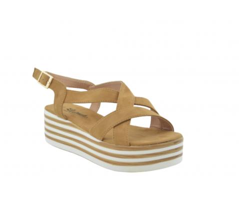 Sandalia plataforma rayas blanco y camel