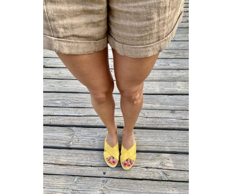 Sandalia plataforma 7 cuerdas amarilla
