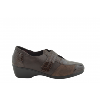 Zapato cómodo texturizado velcro marrón