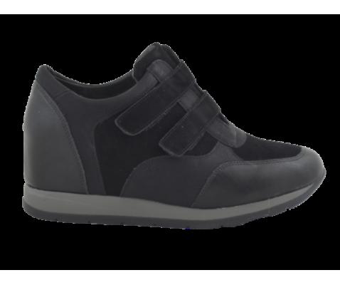 Zapatilla deportiva cuña interior negra