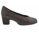 Zapato salón tacón cuadrado escote U marrón